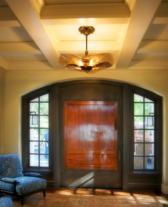 Light sensitively designed in the context of an entry way